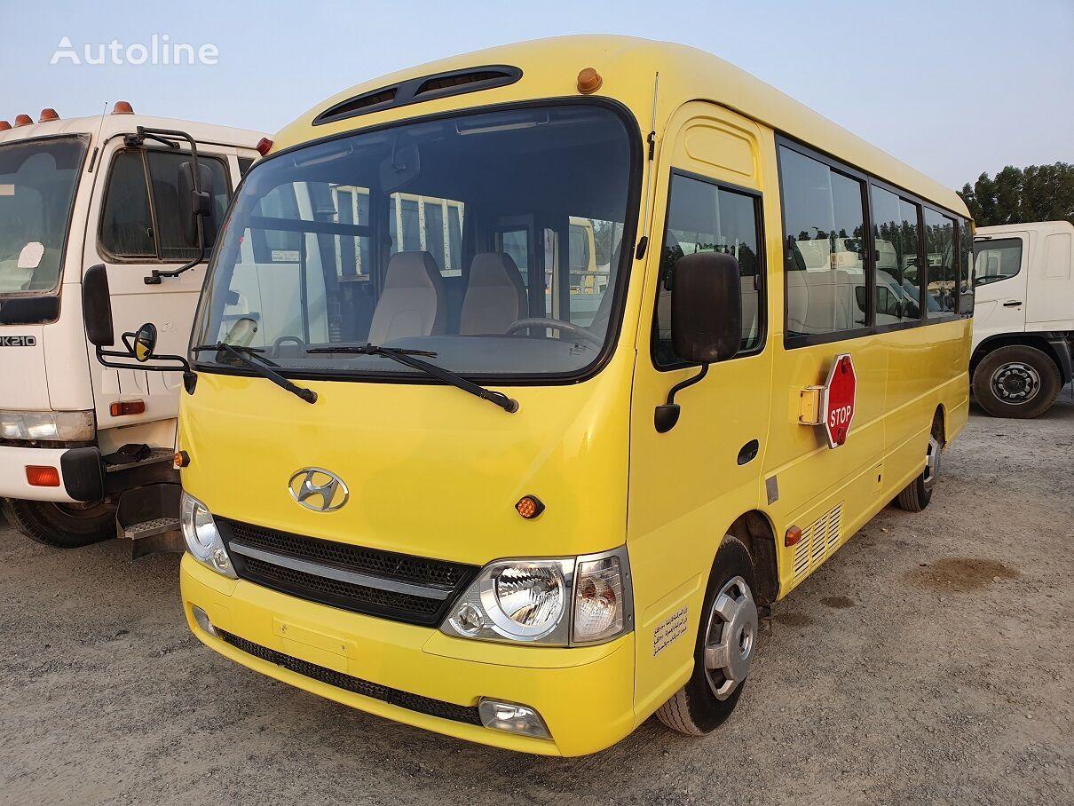 minibus de passager TOYOTA Coaster - / - Hyundai County ..... 25 seats ...Airco.....