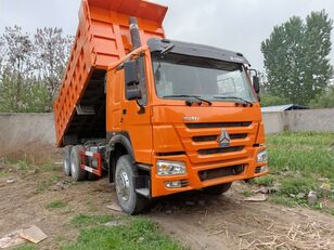 camion-benne HOWO 371