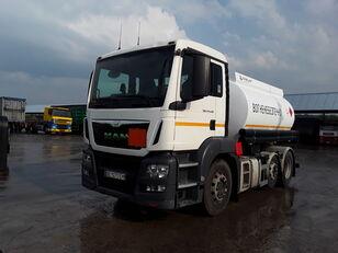 camion de carburant MAN TGS 24.440