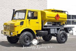 camion de carburant MERCEDES-BENZ UNIMOG 1300