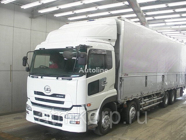 camion fourgon NISSAN QUON