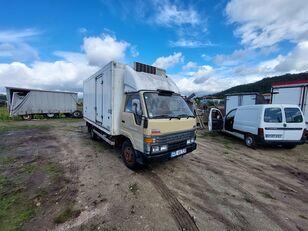 camion frigorifique TOYOTA