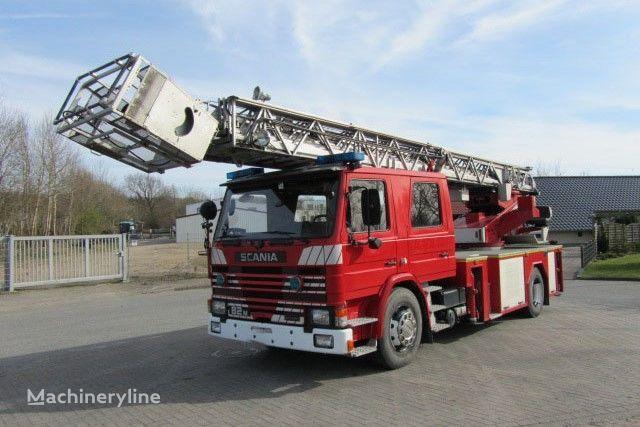 camion bras elevateur articulé SCANIA 82M Doppelkabine