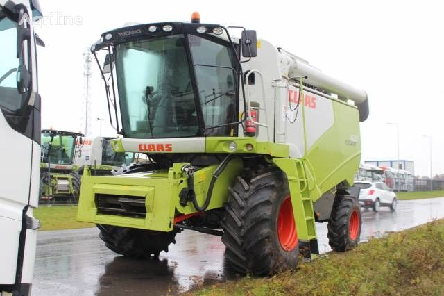 moissonneuse-batteuse CLAAS TUCANO 320 HARVESTER 2015! 920 mth!