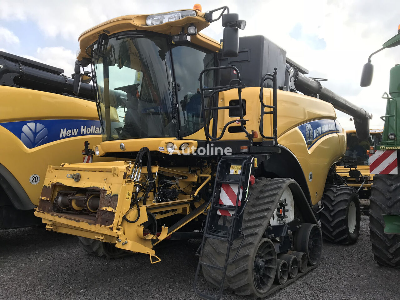 moissonneuse-batteuse NEW HOLLAND CR 9080 ST , 12,3m Schneidwerk