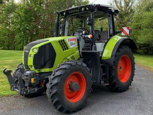 tracteur à roues CLAAS Arion 530 endommagé
