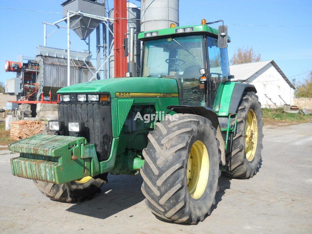 tracteur à roues JOHN DEERE 8200
