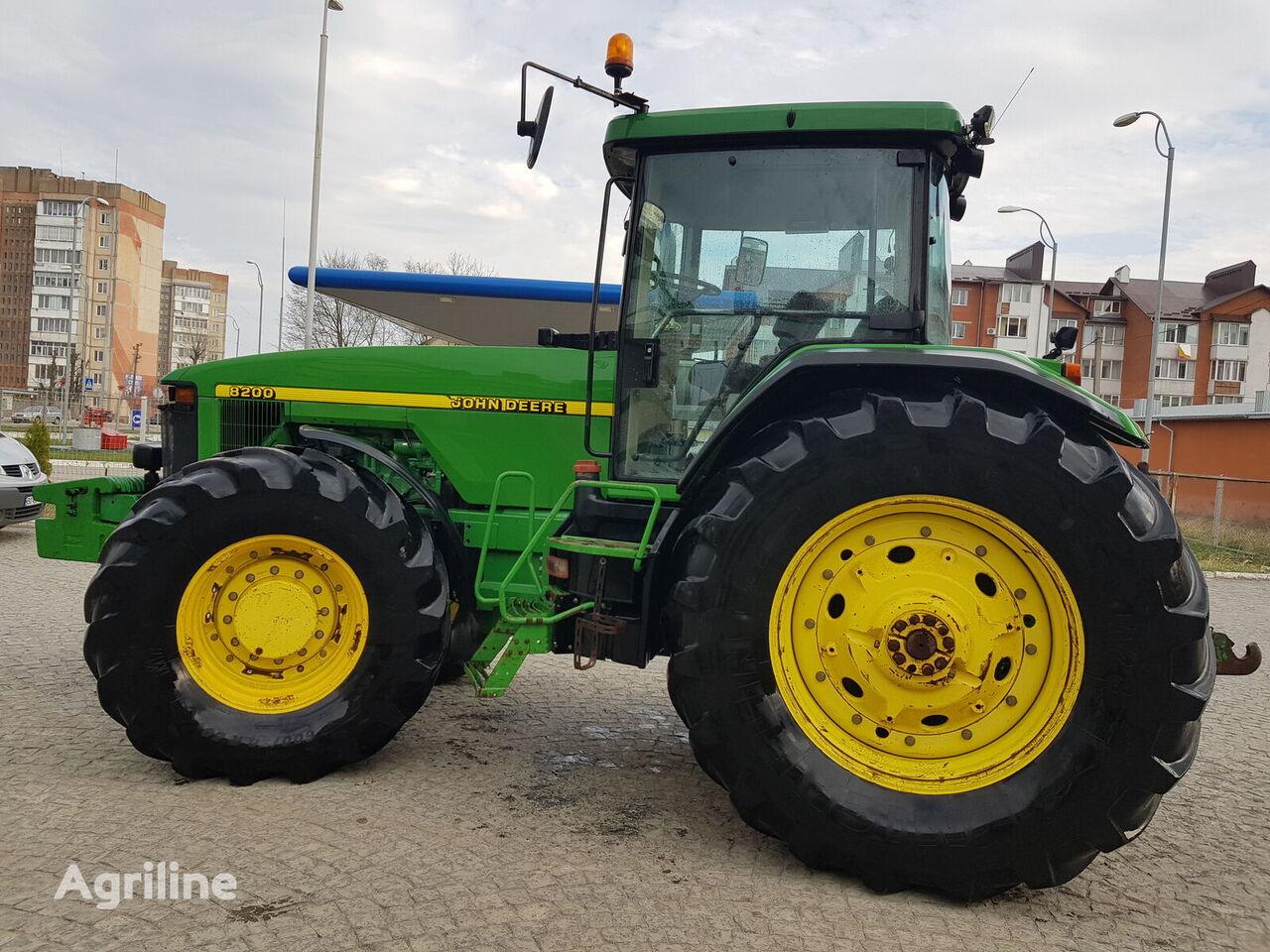 tracteur à roues JOHN DEERE 8200    8400
