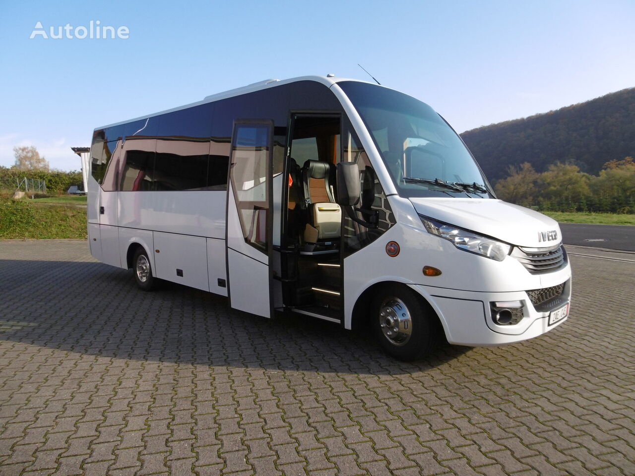 minibus de passager IVECO 70C18 Daily 29+1+1 Pl. Komfort VIP