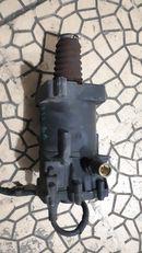 cylindre récepteur d'embrayage KNORR-BREMSE K013727 pour tracteur routier DAF XF 95