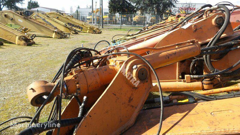 vérin hydraulique HITACHI VERIN DE BALANCIER pour excavateur HITACHI ZX135