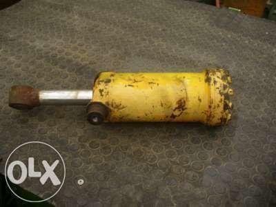 vérin hydraulique KRAMER pour tractopelle KRAMER  416 516