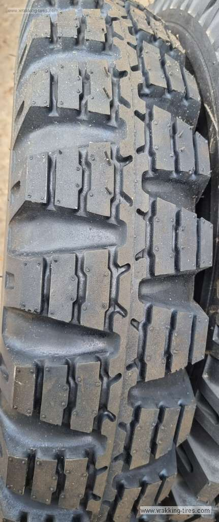 pneu de camionnette 7.00-16C Camac CJ120 Nato neuf
