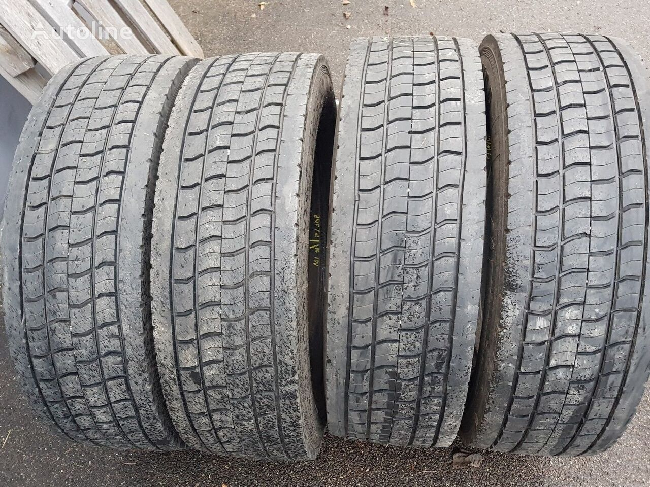 pneu de camionnette 265/70R19,5 * 285/70R19,5 * 305/70R19,5 Gebrauchte